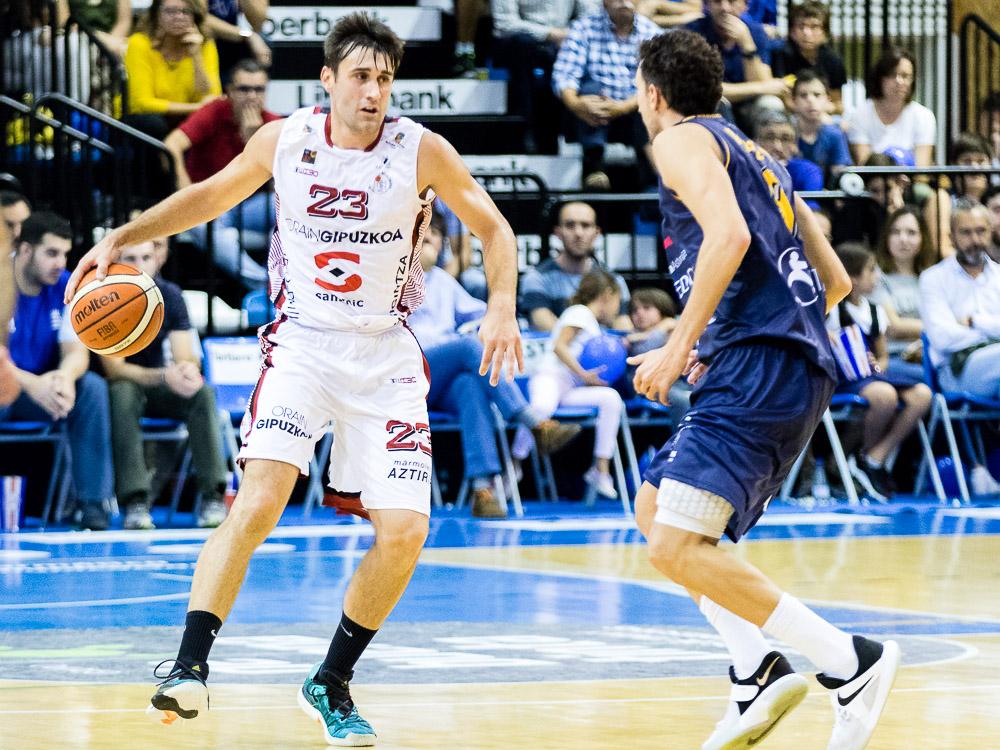 Ander García defendido por Víctor Pérez (Foto: Christian García)