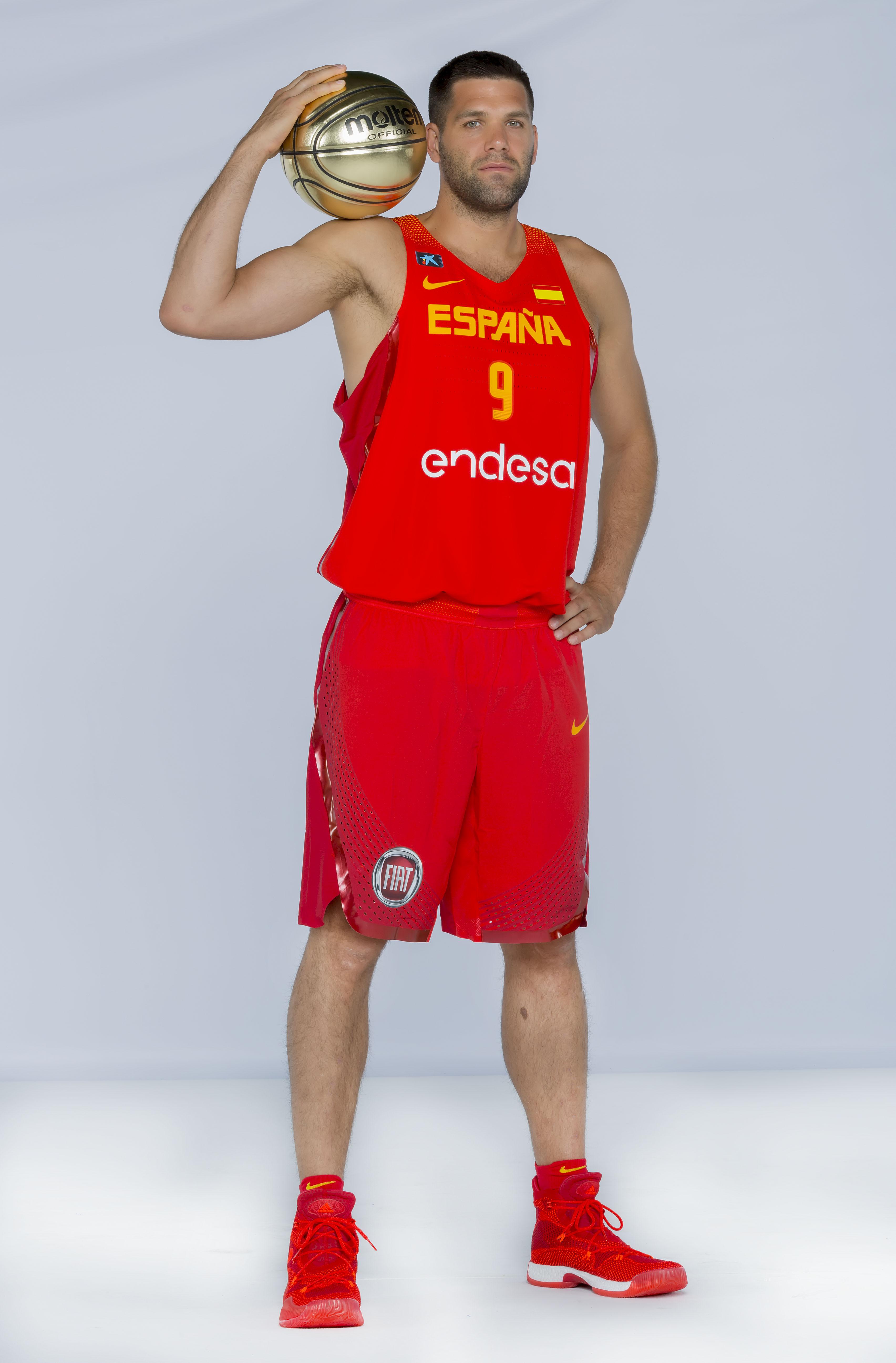 Felipe Reyes con las vistosas Adidas Crazy Explosive