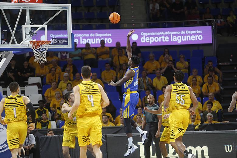 Kingsley Moses (Foto: Carlos González)