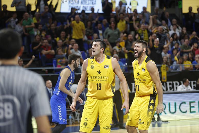 GIORGI SHERMADINI - DANIEL DÍEZ (Foto: Carlos Gonzalez)