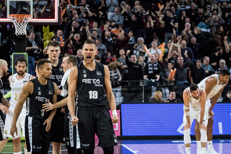 El Bilbao Basket celebra su triunfo (Foto: Luis Fernando Boo).