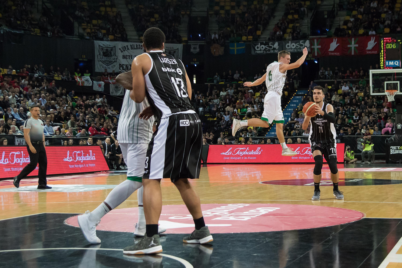Demetrio hace volar a Borg (Foto: Luis Fernando Boo).