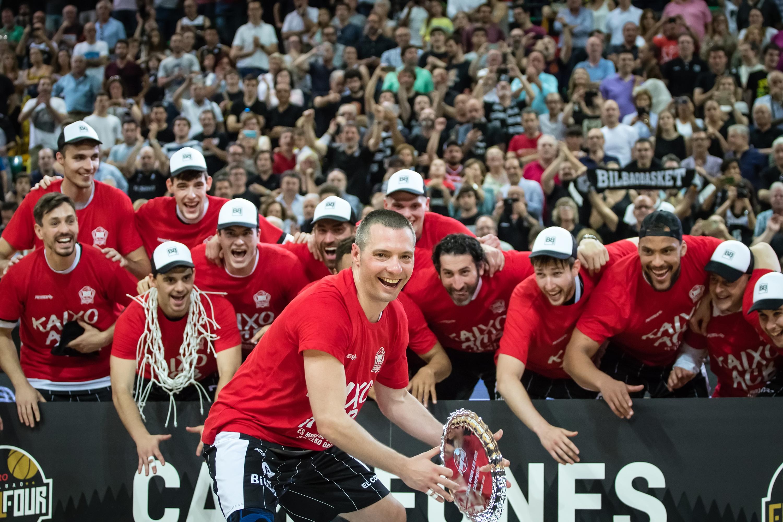 Celebración del triunfo en la final four | Foto: Luis Fernando Boo.