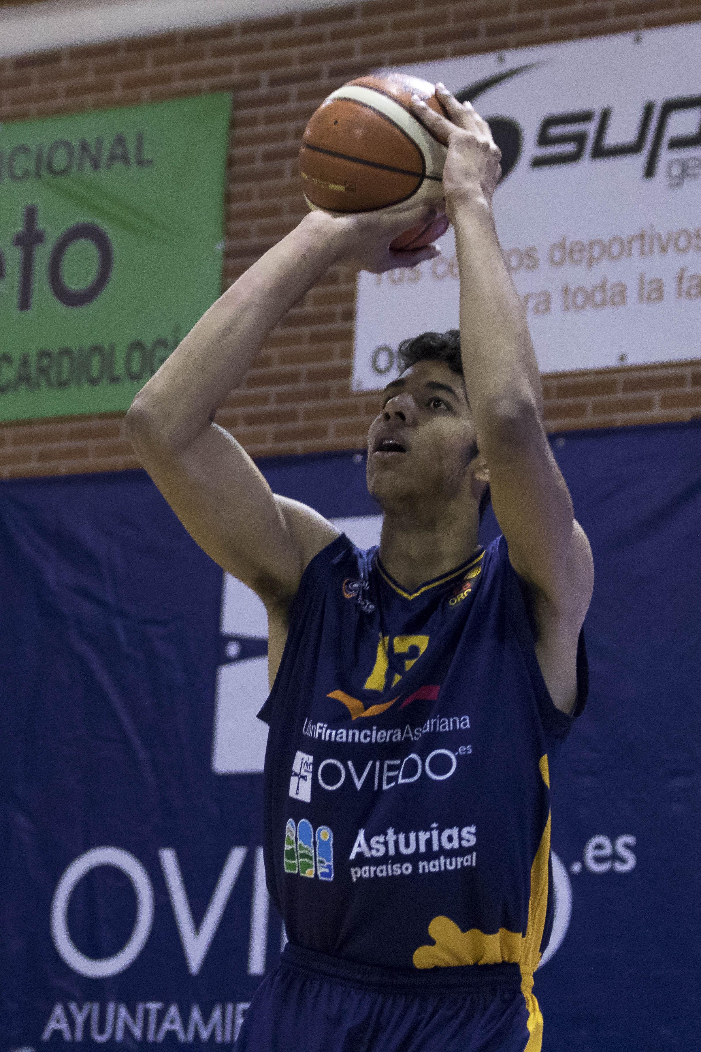 Felipe Dos Anjos desde media distancia (Foto: Christian García)