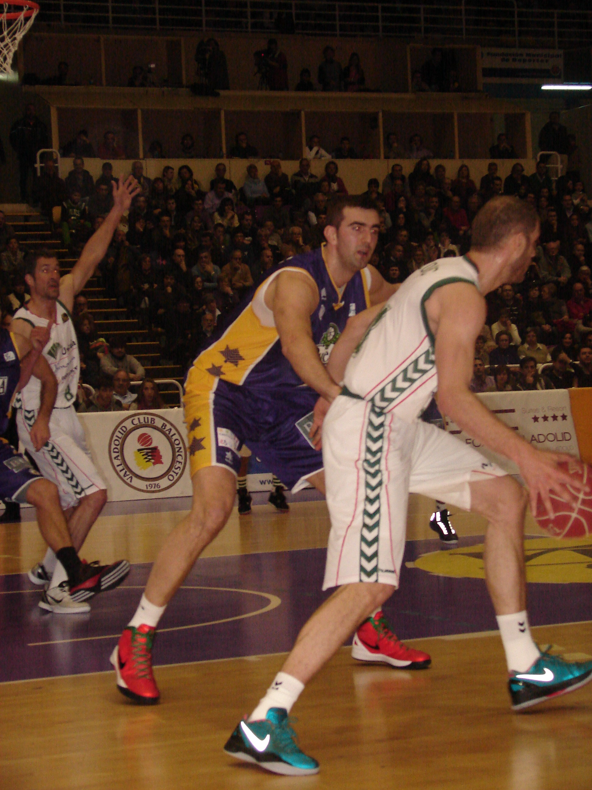 Sinanovic vs. Zoric (Fotos: Jose Navas)