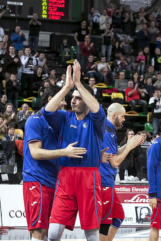 Marko Banic fue ovacionado en su regreso a Bilbao (Foto: Luis Fernando Boo).