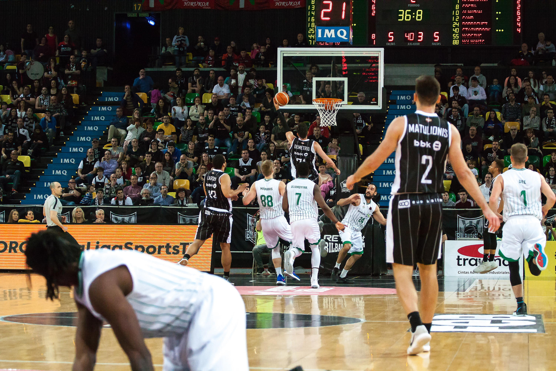 Contraataque del Bilbao Basket (Foto: Luis Fernando Boo).