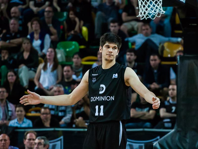 Gesto de contrariedad de Marko Todorovic (Foto: Luis Fernando Boo).