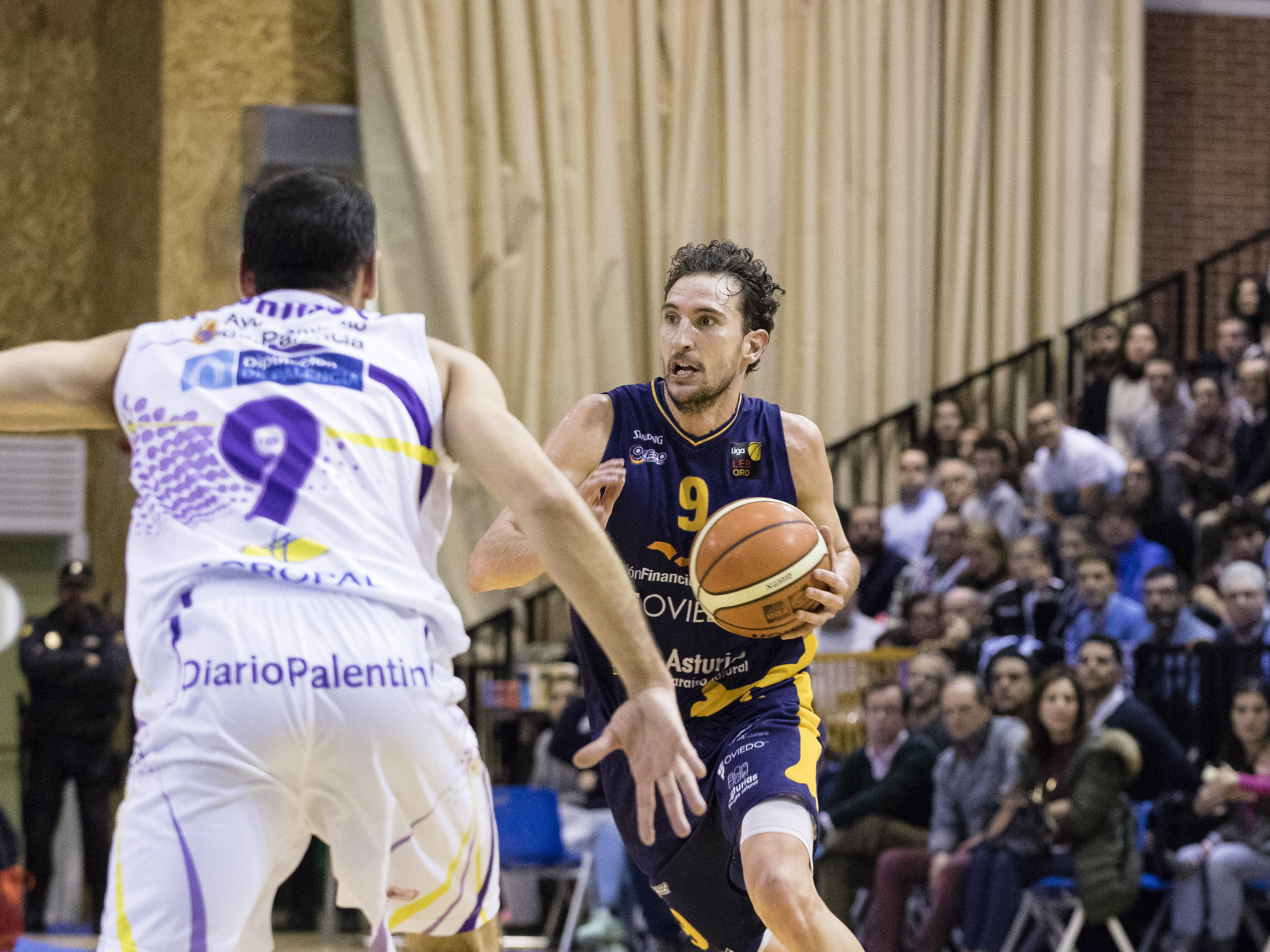 Víctor Pérez al contraataque (Foto: Christian García)