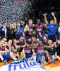 La foto de rigor tras la consecución de la Copa del Rey 2013