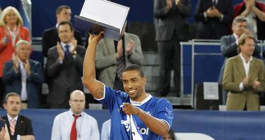 Bullock, homenajeado por el Real Madrid (ACB Photo/Ángel Martínez)