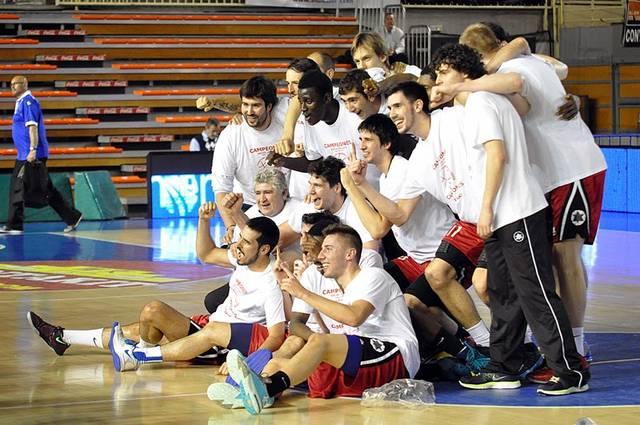 Fuenlabrada, Campeón de la Adecco Plata 2013-14 (foto Lydia Calvo)