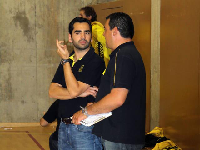 Yago Casal ha renovado para dirigir al Conservas de Cambados en Adecco Plata (foto basquetmaniàtic)