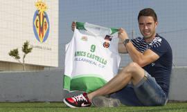 Alberto Fernández con la camiseta del Amics Castelló