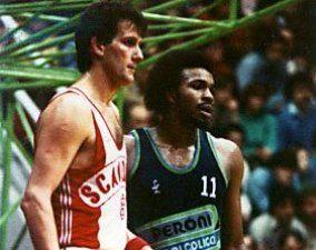 Abdul-Jeelani, aquí defendiendo los colores de Livorno, fue el compañero de Berwald en Askatuak (foto http://www.ilbasketlivornese.it)