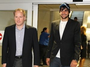 Ricky Rubio y David Kahn (Photo courtesy of the Minnesota Timberwolves)