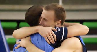 Isaac López y David Gil celebran el ascenso (foto: FM)