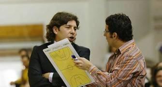 Domingo Rodríguez hablando con Carlos Delvi (Foto: UB La Palma)