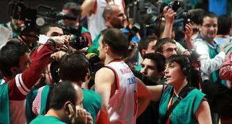 Rakocevic, rodeado de medios (Foto: JML)