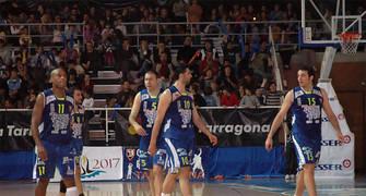 32 El cinco del CBT que finalizó el partido (foto basquetmaniàtic)