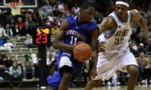 Bruce Prince en su etapa en la NCAA con Tennessee