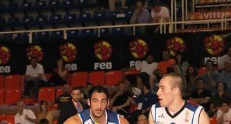 David Mediano dirigiendo al equipo en la Final a 4 de Fuenlabrada (foto basquetmaniàtic)