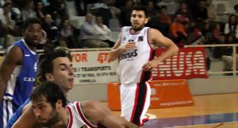 05 Penetración de Gonzalo Sánchez (foto basquetmaniàtic)