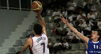 06 Lanzamiento de Alex Loughton (foto basquetmaniàtic)