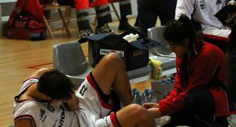 27 Adrián García se lesionó el tobillo (foto basquetmaniàtic)