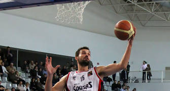 30 Rebote de José Manuel Cuego (foto basquetmaniàtic)