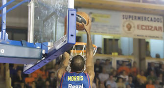 Morris por encima del aro  (foto: FM)