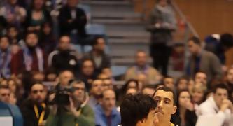 Nihad Djedovic postea ante Pablo Prigioni (Foto ACB PHOTO/J.Marqués)