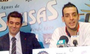 Javi Muñoz en rueda de prensa con Salva Arco en su etapa en el COB