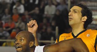Jakson y Guardia, uno que se retira y otro que volvió al Fuenla (foto: FM)