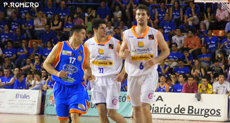 Albano Martínez sigue de cerca a Miguel Montañana (Foto: Pablo Romero)