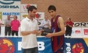 Bernat Magrans, entrenador del Regal FC Barcelona cadete