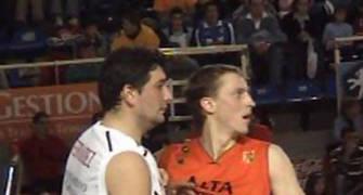 Jesús Fernández y Aigar Vitols en un lance del juego
