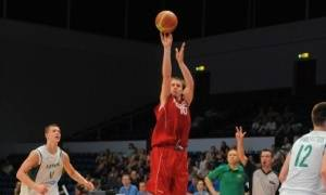 El lanzamiento exterior de Ponitka (Foto: FIBA)