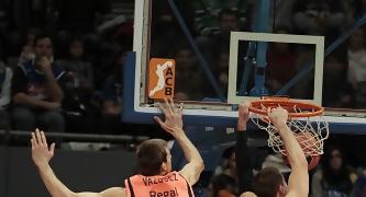 Nik Caner-Medley, fue el mejor de Estudiantes (ACB PHOTO/ Emilio Cobos)