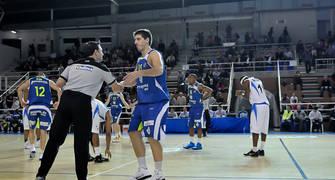 Saludo de Roger Fornas al árbitro (Foto: Andrés Antúnez Carrasco)