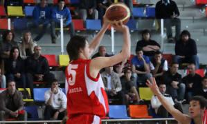 02 Triple de Marcus Eriksson (foto basquetmaniàtic)