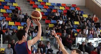 08 Triple de Lluís Costa (foto basquetmaniàtic)