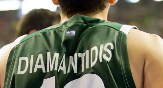 Camiseta de Diamantidis, firmada en el dorsal (Foto: Lafargue)
