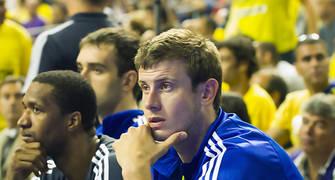 Velickovic, en el banquillo (Foto: Lafargue)
