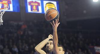 Juan Carlos Navarro realizando una entrada. Foto: victorsalgado.com