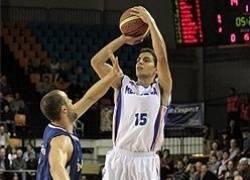 Navarro 2+1 ante DeVries (Fotos: JAUME FIOL / esportsmenorca.com)