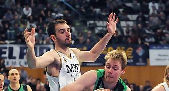 Henk Norel intenta superar a Mirza Begic. Foto: victorsalgado.com