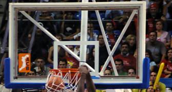 Pietrus se volvía a colgar del aro <u>Foto: José María Benito Espinar</u>