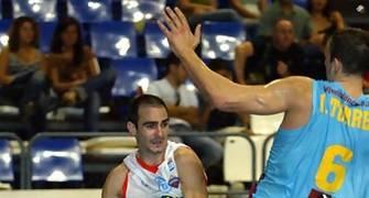 Edu Sánchez conduciendo el ataque del Tenerife Baloncesto (Foto: Tenerife Baloncesto)