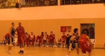 El duelo Albert Sàbat - Jon Santamaria fue de lo poco igualado del partido (foto Jaume Parera)